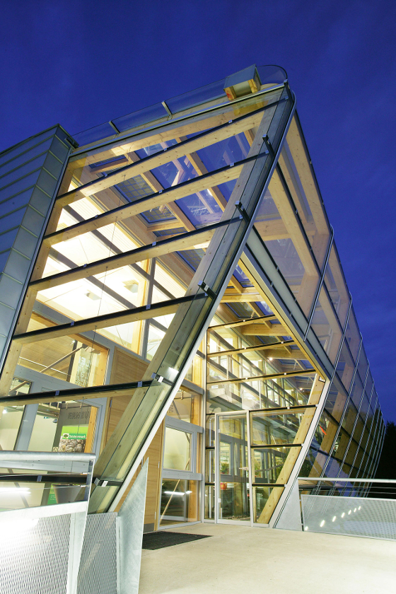 glasfassade_projekt-oststeiermarkhaus_1