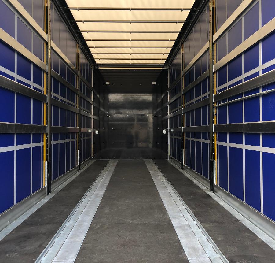 LKW_Scania-Innenraum