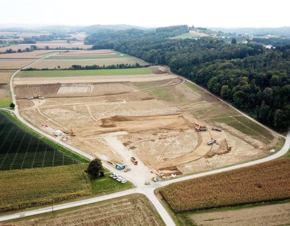 Luftbild Baustelle Betriebserweiterung Egger Glas